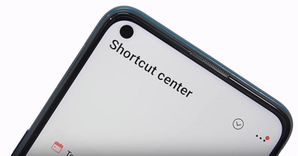 Vivo Z1 Pro pin hole display